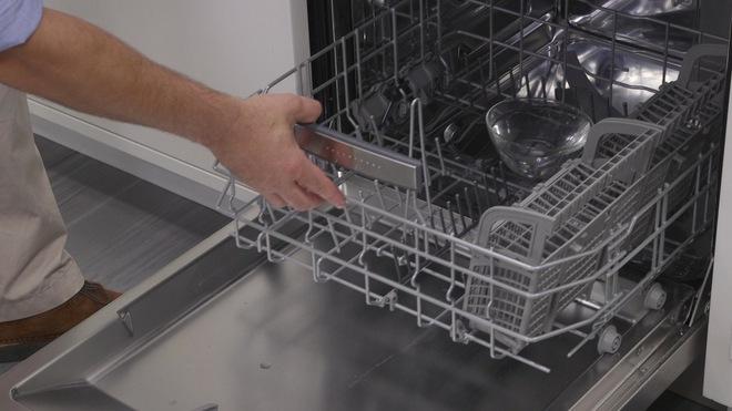 Làm sạch mọi đồ dùng, giúp nhà siêu sạch chỉ bằng giấm ăn thông thường - Ảnh 2.