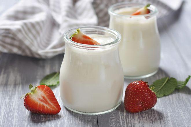 Hướng dẫn độ tuổi phù hợp cho bé sử dụng sữa tươi, sữa chua và phô mai - Ảnh 2.