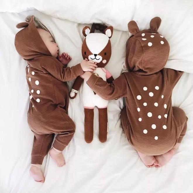 Có một bà mẹ chỉ chụp ảnh con ngủ mà cũng gây sốt đến thế - Ảnh 21.