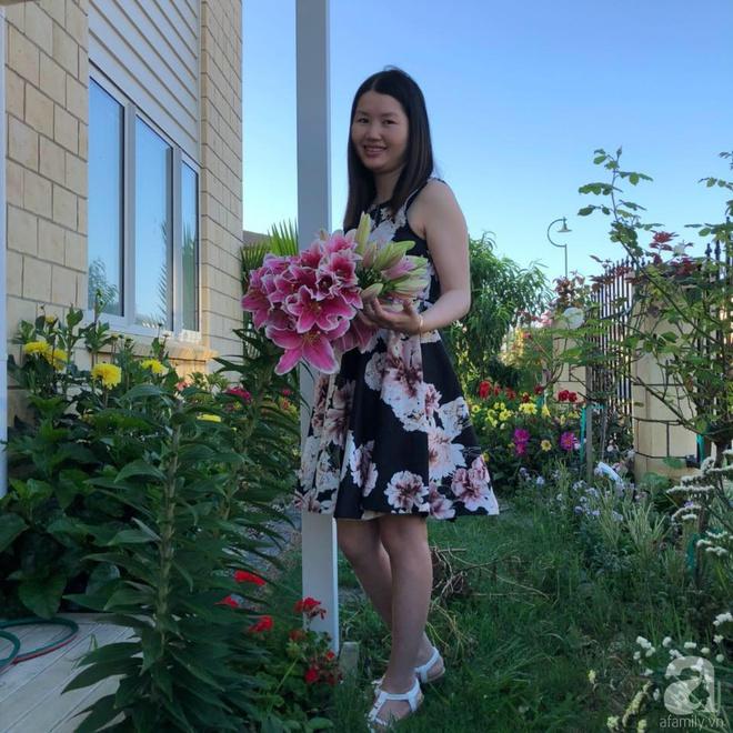 Chỉ mất 2 năm, bà mẹ trẻ đã phủ kín khu vườn rộng tới 200m² với hàng trăm loài hoa rực rỡ muôn màu - Ảnh 6.