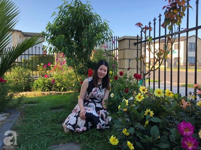 Chỉ mất 2 năm, bà mẹ trẻ đã phủ kín khu vườn rộng tới 200m² với hàng trăm loài hoa rực rỡ muôn màu - Ảnh 7.
