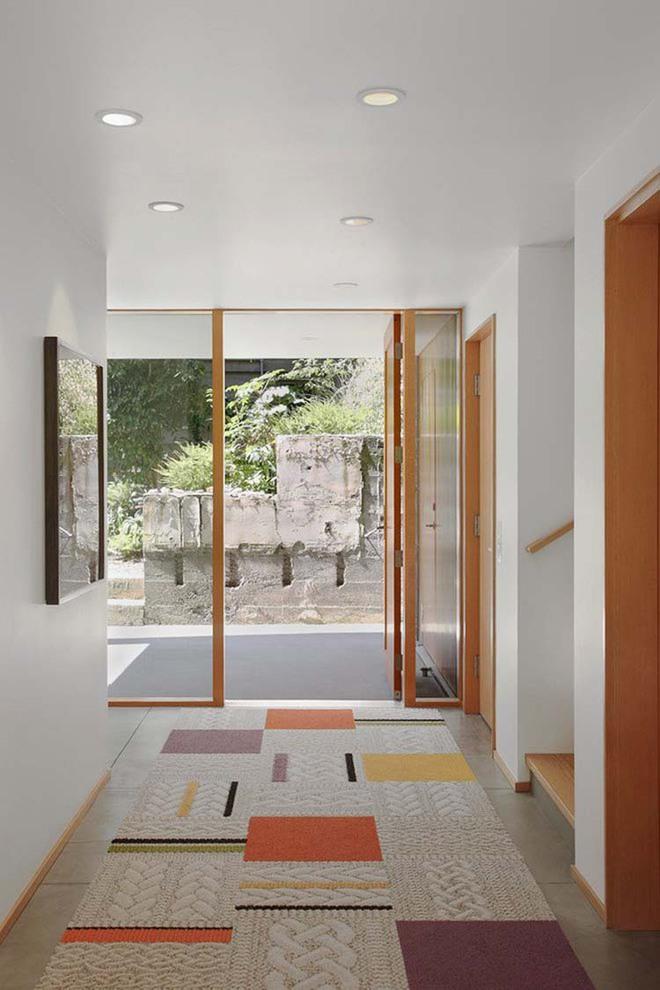 Thiết kế lối vào nhà hiện đại nói thay lời chào mừng với mỗi vị khách đến nhà - Ảnh 2.
