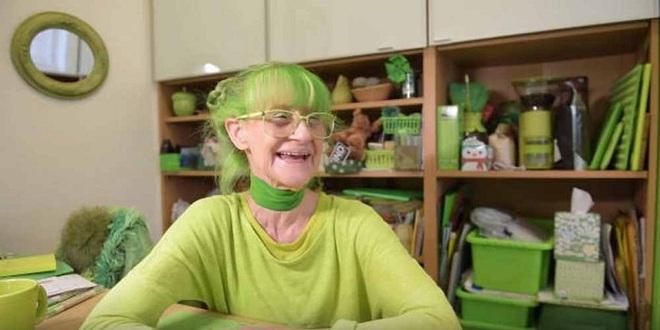 Cụ bà 75 tuổi khiến mọi người phấn khích với cuộc sống trong ngôi nhà chỉ toàn màu xanh lá - Ảnh 3.