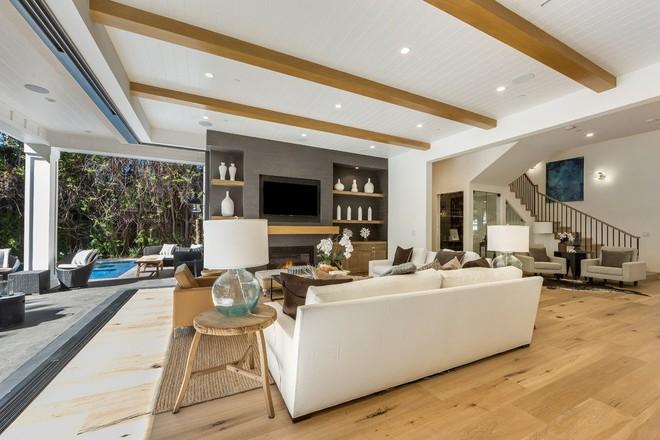 Lịm tim với những căn phòng khách kết hợp hài hòa giữa truyền thống và hiện đại - Ảnh 12.