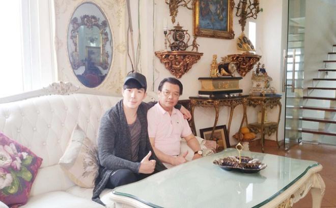 Chiêm ngưỡng ngôi nhà dát vàng triệu đô của nam ca sĩ Nathan Lee ở Hà Nội - Ảnh 3.