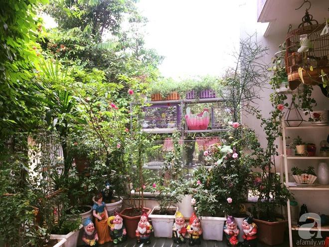 Khoảng sân rộn ràng hoa lá cùng tiếng chim ca vô cùng yên bình của bà mẹ 3 con ở Nghi Tàm, Hà Nội - Ảnh 19.