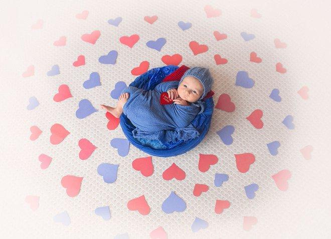 Ngất ngây với chùm ảnh những em bé sơ sinh cuộn tròn say ngủ - Ảnh 14.