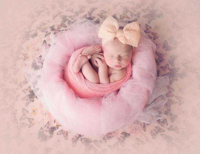 Ngất ngây với chùm ảnh những em bé sơ sinh cuộn tròn say ngủ - Ảnh 20.
