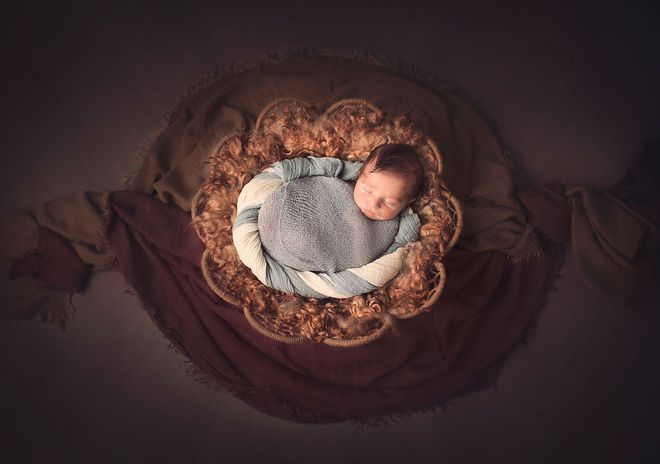 Ngất ngây với chùm ảnh những em bé sơ sinh cuộn tròn say ngủ - Ảnh 25.