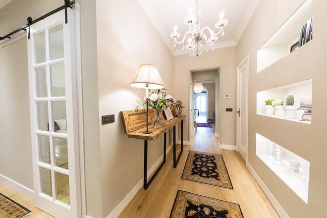 Vẫn chưa là quá muộn để tạo ấn tượng với khách đến nhà ngay từ hành lang - Ảnh 7.