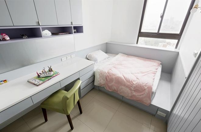 Căn hộ tuy nhỏ nhưng được phân chia thông minh nên mỗi thành viên đều có không gian riêng rất thoải mái - Ảnh 11.