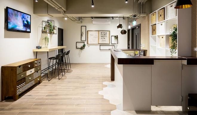 Căn hộ đẹp sang trọng và độc đáo với thiết kế nhiều phòng ngủ vừa ở vừa kinh doanh homestay rất hiệu quả - Ảnh 3.