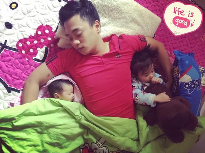 Học lỏm bí quyết mẹ trẻ rèn con tự ngủ từ 1 tháng tuổi, chăm một lúc hai con nhỏ vẫn nhàn tênh - Ảnh 7.
