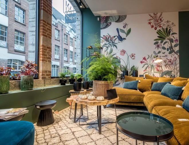 Khám phá vẻ đẹp đậm chất Địa Trung Hải trong căn hộ rộng tới 285m² - Ảnh 1.
