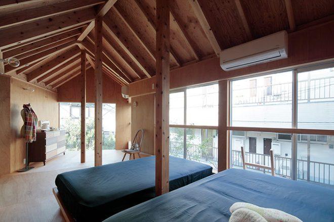 Ngôi nhà hai tầng đẹp lạ lùng được thiết kế theo phong cách tối giản nhìn xa như một cây nấm nhỏ ở Nhật - Ảnh 9.