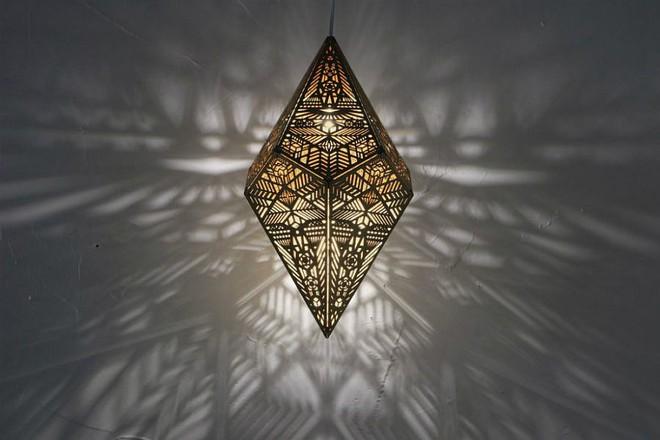Những mẫu đèn trang trí cực đẹp khiến ai xem xong cũng muốn sở hữu một cái trong nhà - Ảnh 15.