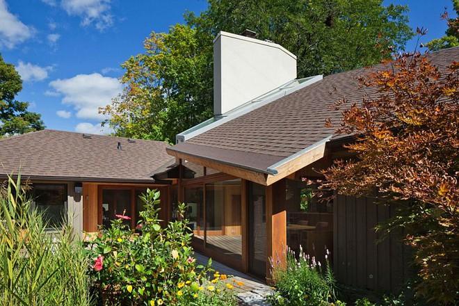 Lấy chủ đề là gỗ với không gian sống mở hoàn toàn với thiên nhiên, đây chính là ngôi nhà mà ai cũng ao ước - Ảnh 1.