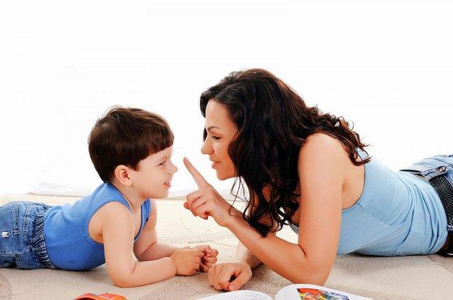Thử các cách này, các mẹ sẽ bớt cằn nhằn và la mắng con - Ảnh 1.