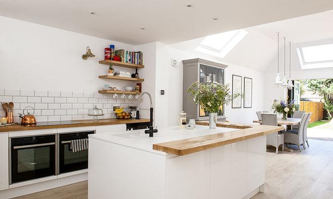 Chỉ nhờ một yếu tố nhỏ này thôi mà căn bếp gia đình trông đẹp hơn gấp mấy phần - Ảnh 1.
