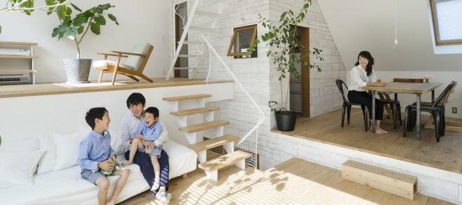 Ngôi nhà phố 43m² đẹp thanh bình với sân vườn xanh mát cây cỏ của gia đình trẻ ở ngay thủ đô Tokyo, Nhật Bản - Ảnh 1.