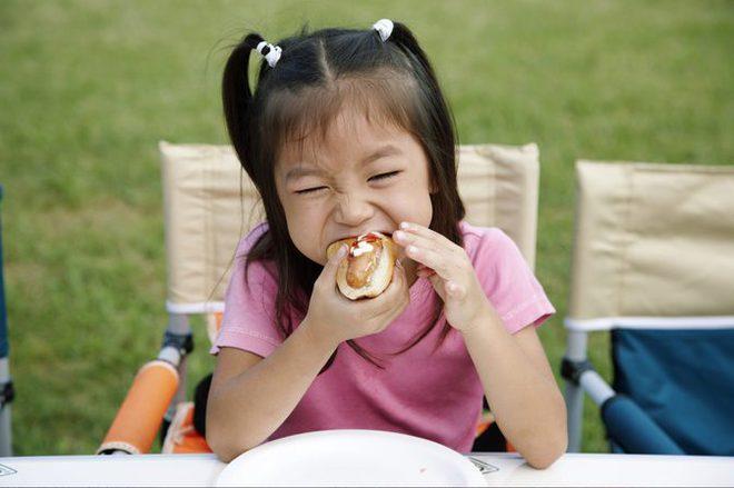 Bé 3 tuổi bị hóc nghẹn đến chết chỉ vì một loại quả bố mẹ nào cũng cho con ăn mỗi dịp hè - Ảnh 3.
