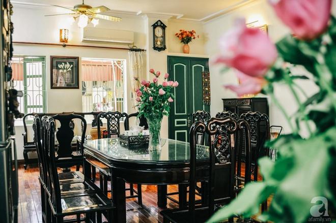 Ngôi nhà ở phố cổ Hà Nội đẹp như một bức tranh hoài niệm về quá khứ, tạo nên cảm giác yên bình và vô cùng lãng mạn - Ảnh 12.