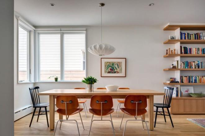 Diện tích chỉ 30m², ngôi nhà bằng gỗ dưới đây vẫn vô cùng hiện đại và bắt mắt - Ảnh 5.