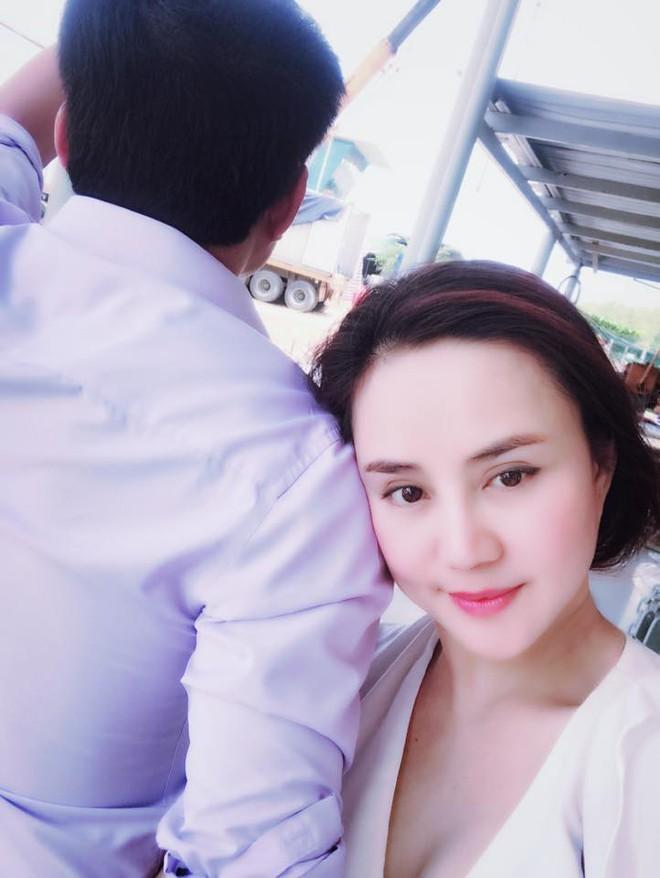 Soi nhất cử nhất động của sao Việt (9/6) - Ảnh 4.