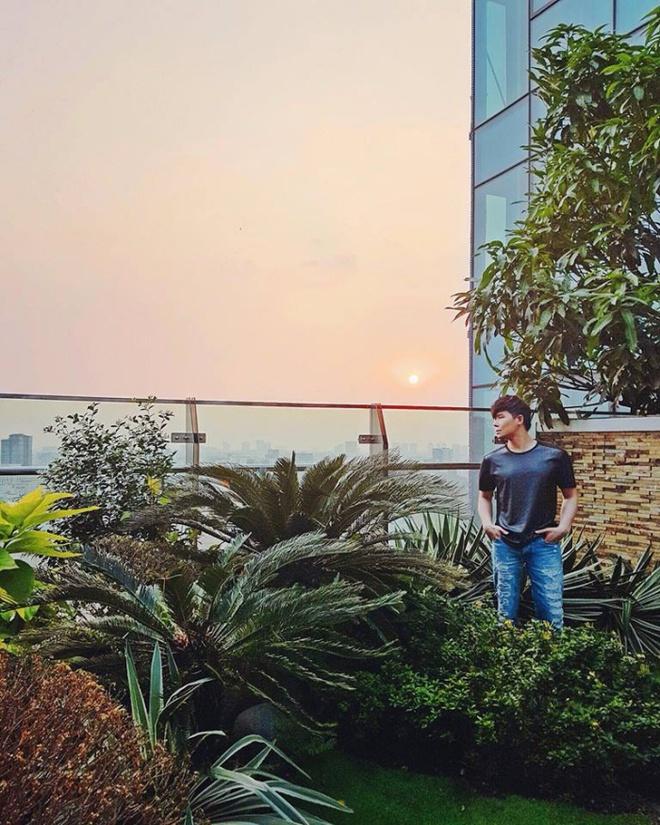 Ngắm căn hộ rộng đến 200m² và khu vườn view đẹp như trong mơ của nam ca sĩ Nathan Lee ở ngay Q1, Sài Gòn - Ảnh 8.
