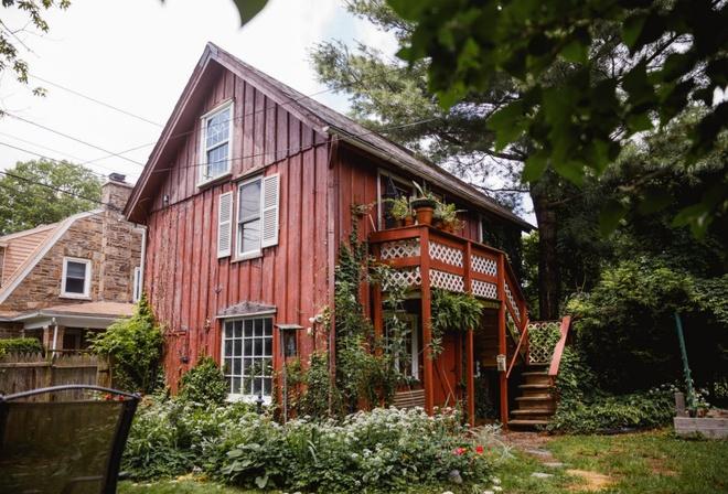 Ngôi nhà bình yên của cặp đôi trẻ bỏ nơi phồn hoa về thị trấn nhỏ xây ước mơ hạnh phúc - Ảnh 2.