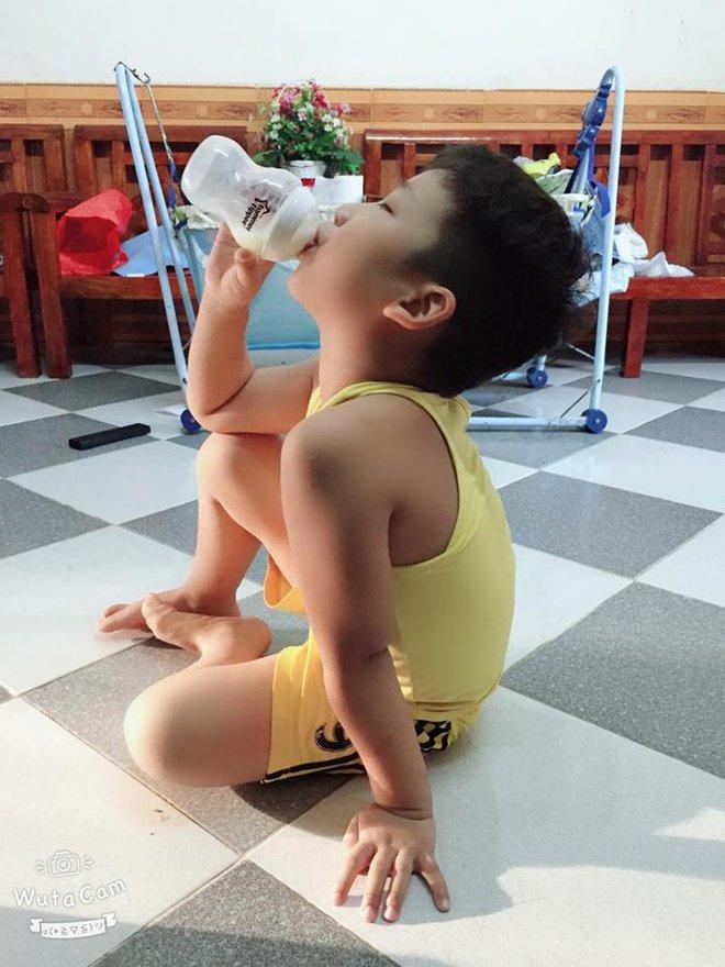 Gần như mất sữa hoàn toàn, bà mẹ đã kích sữa thành công để thừa sữa cho cả 2 con bú - Ảnh 9.