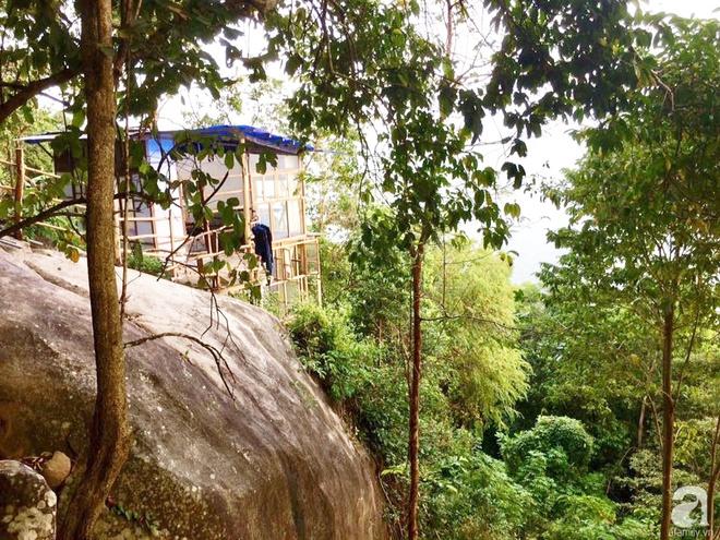 Đạo diễn trẻ bỏ Sài Gòn ra đảo sống trong căn nhà gỗ có view biển đẹp ngỡ ngàng   - Ảnh 6.
