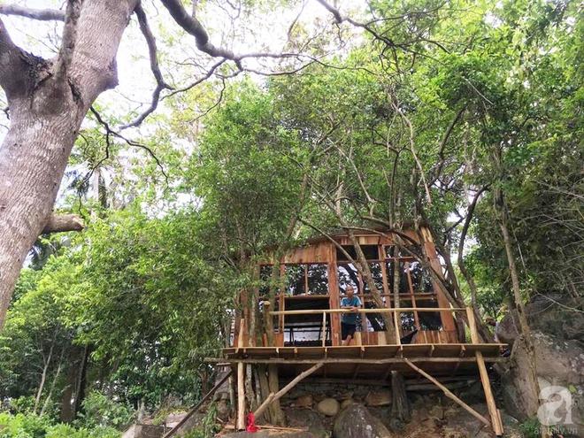 Đạo diễn trẻ bỏ Sài Gòn ra đảo sống trong căn nhà gỗ có view biển đẹp ngỡ ngàng   - Ảnh 7.
