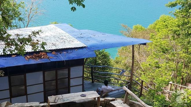 Đạo diễn trẻ bỏ Sài Gòn ra đảo sống trong căn nhà gỗ có view biển đẹp ngỡ ngàng   - Ảnh 9.