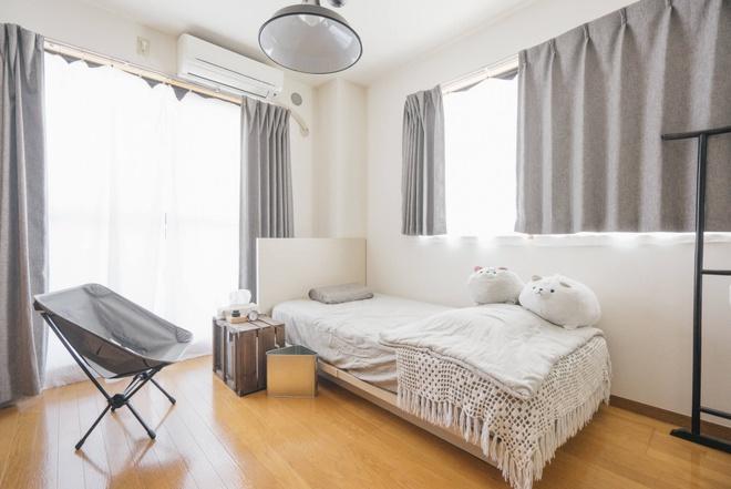 Hai chị em gái sống thoải mái trong căn hộ nhỏ xíu 25m² nhờ áp dụng nghệ thuật sắp xếp này  - Ảnh 8.