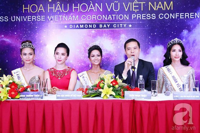 """Hành động """"lạ"""" của Hoàng Thùy sau khi HHen Niê đăng quang ngôi vị Hoa hậu Hoàn vũ Việt Nam 2017 - Ảnh 6."""