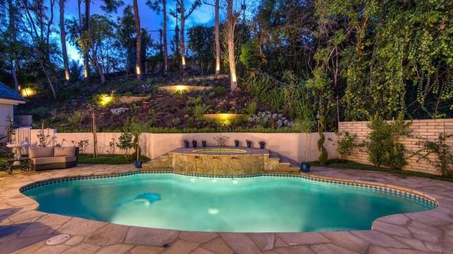 Bên trong biệt thự đẹp long lanh giá 12,5 triệu USD của Thành Long - Ảnh 11.