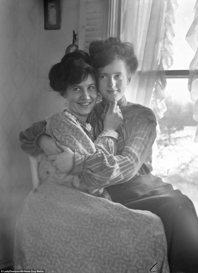 Chuyện kể qua ảnh: những chuyện tình đồng tính nữ phi thường vào thế kỷ 19 - 20 - Ảnh 12.