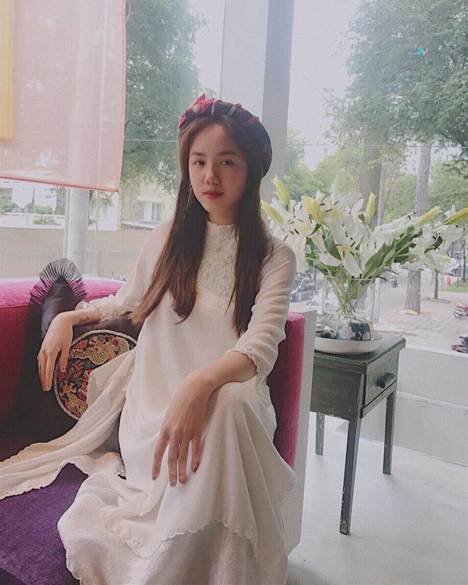 Năm 2017, nhờ phim Việt mà áo dài lên ngôi, được giới trẻ diện nhiều không thua kém các hot trend thời thượng - Ảnh 14.