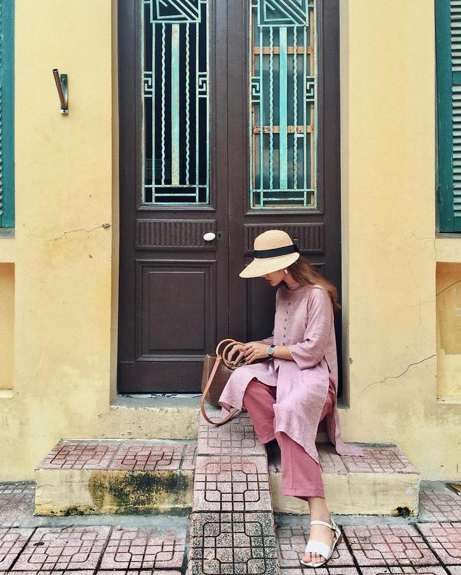 Năm 2017, nhờ phim Việt mà áo dài lên ngôi, được giới trẻ diện nhiều không thua kém các hot trend thời thượng - Ảnh 16.