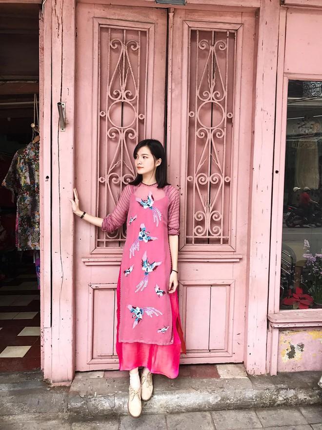 Năm 2017, nhờ phim Việt mà áo dài lên ngôi, được giới trẻ diện nhiều không thua kém các hot trend thời thượng - Ảnh 19.