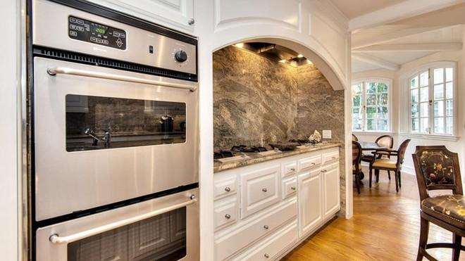 Bên trong biệt thự đẹp long lanh giá 12,5 triệu USD của Thành Long - Ảnh 6.