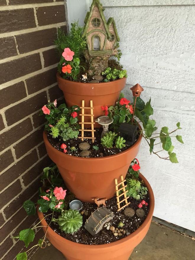Cách đơn giản và dễ làm để tạo tháp chậu cây cho khu vườn hay hiên nhà bạn thêm sinh động - Ảnh 11.