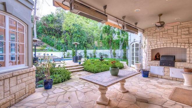Bên trong biệt thự đẹp long lanh giá 12,5 triệu USD của Thành Long - Ảnh 10.