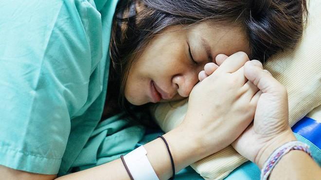 6 bí quyết giúp bà bầu sinh nở dễ dàng mà không cần dùng thuốc giảm đau - Ảnh 1.