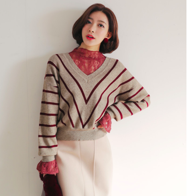 Thêm một cách diện layer áo len/áo nỉ cực xinh cho các nàng nữ tính - Ảnh 5.