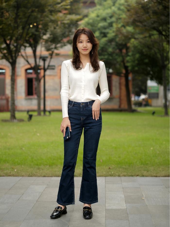 Street style Châu Á: Quần jeans là được chọn nhiều nh - Ảnh 9.