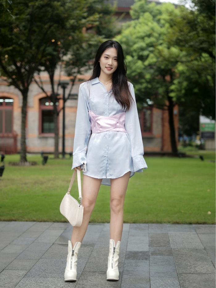 Street style Châu Á: Quần jeans là được chọn nhiều nh - Ảnh 10.