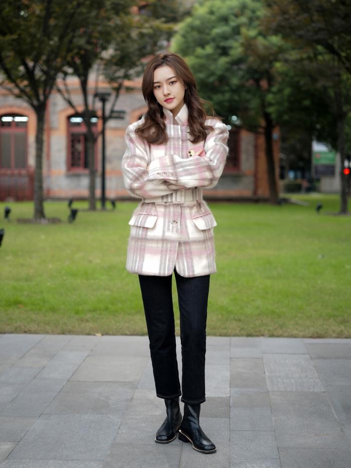 Street style Châu Á: Quần jeans là được chọn nhiều nh - Ảnh 3.