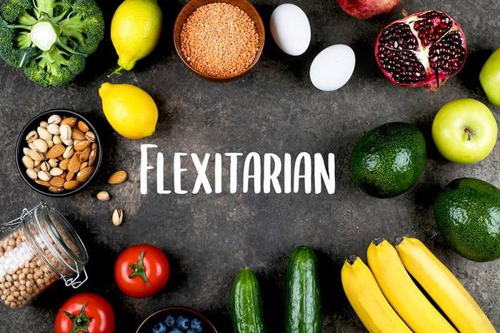 Ăn kiêng linh hoạt: Đây là những thực phẩm nên ăn và nên tránh bạn cần nắm rõ - Ảnh 4.